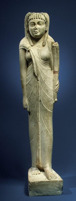 Statua di Arsinoe II. Calcare egizio, post 270 a.C. ca. Metropolitan Museum of Art.