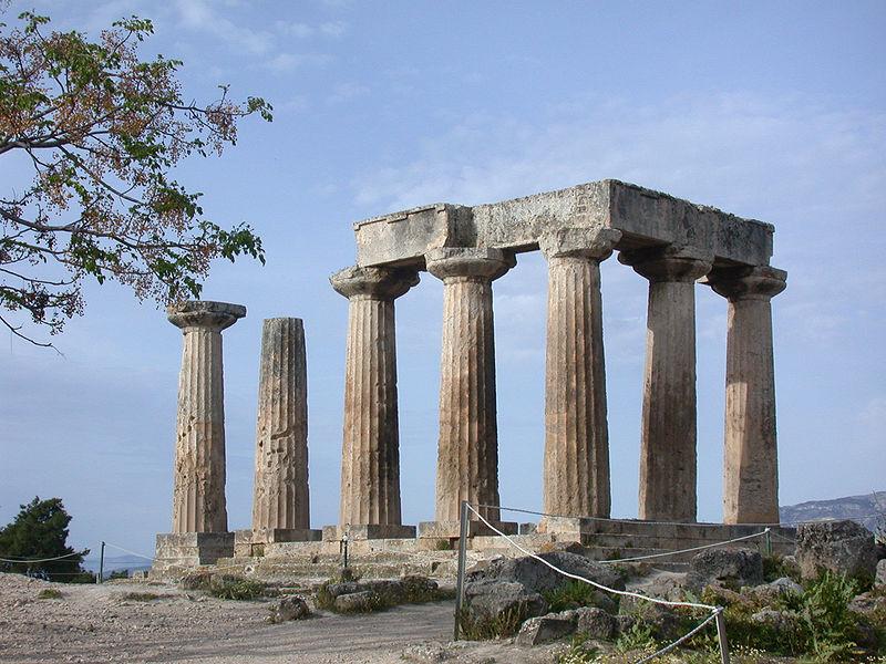 Corinto. Tempio di Apollo. Ordine dorico, metà VI sec. a.C.