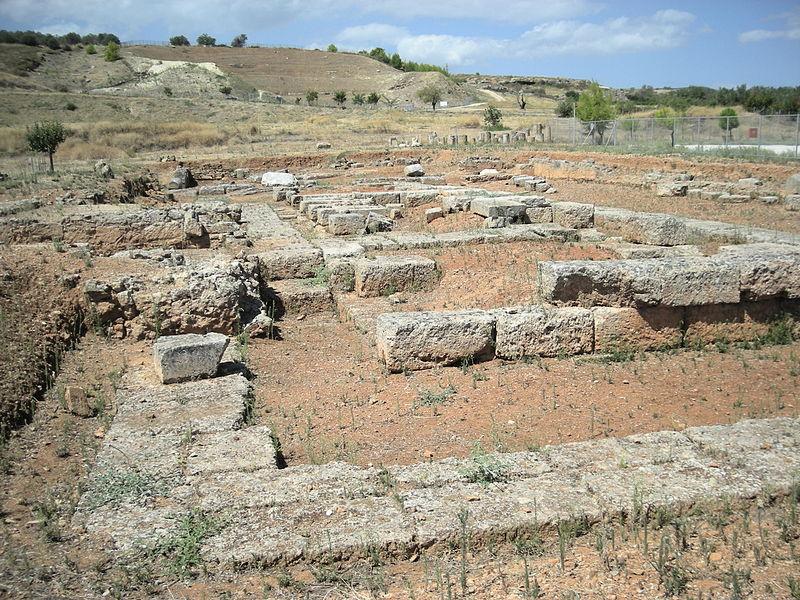 Sicione, Rovine di un tempio dorico.
