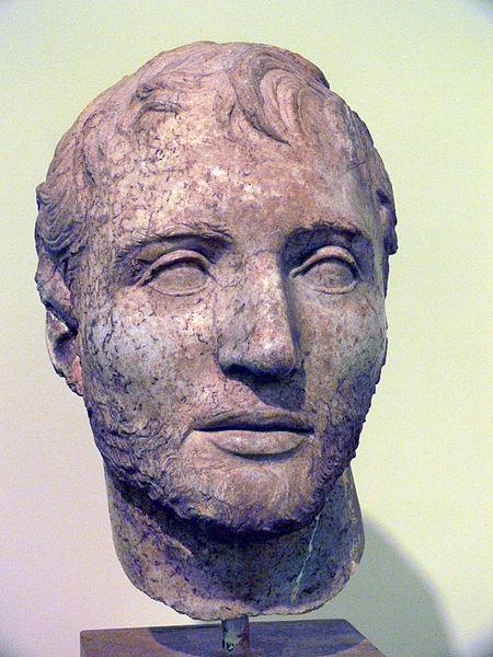 T. Quinzio Flaminino. Testa colossale, marmo, II secolo a.C. ca. Delfi, Museo Archeologico Nazionale.