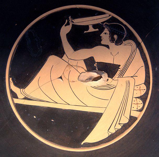 Pamfaio. Simposiasta che gioca al kóttabos. Pittura vascolare da un tondo di kylix attica a figure rosse. 510 a.C. ca. Musée du Louvre