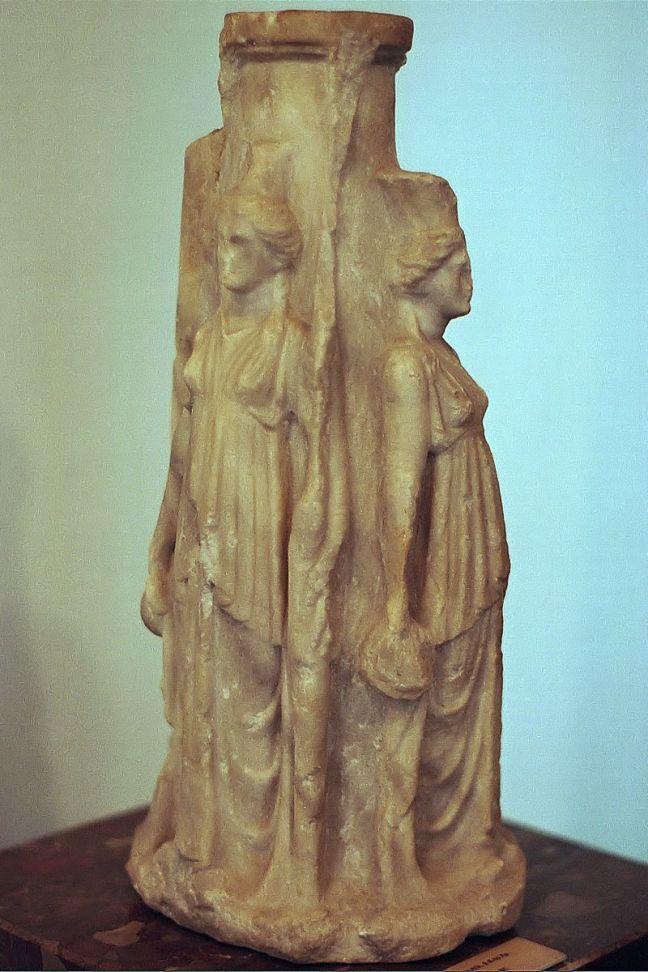 Ecate. Statua, marmo, III sec. a.C. Nesebar Archaeological Museum