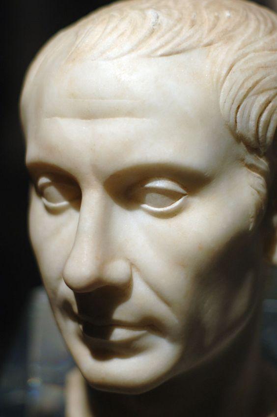 C. Giulio Cesare. Busto, marmo, I sec. d.C., da Pantelleria. Museum of Natural Science of Houston