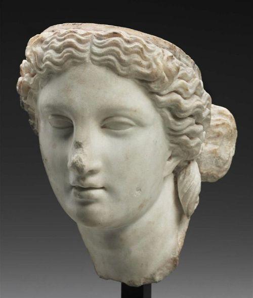 Venere. Testa, marmo, II sec. d.C. Boston, Museum of Fine Arts.
