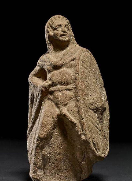 Guerriero galata. Statuetta, terracotta, 200 a.C. ca. dall'Egitto.