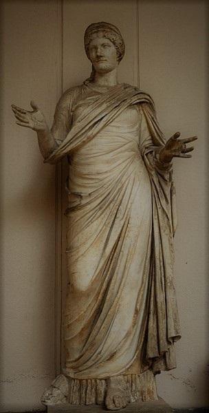 agrippina maggiore. statua, marmo e stucco, modello della 'grande ercolanese'. i sec. d.c., da tindari. messina, museo archeologico nazionale