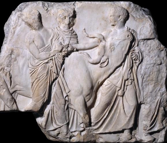 Scuola di Fidia. Scena di processione sacrificale. Marmo pentelico, 438-432 a.C. dal fregio meridionale del Partenone. British Museum.