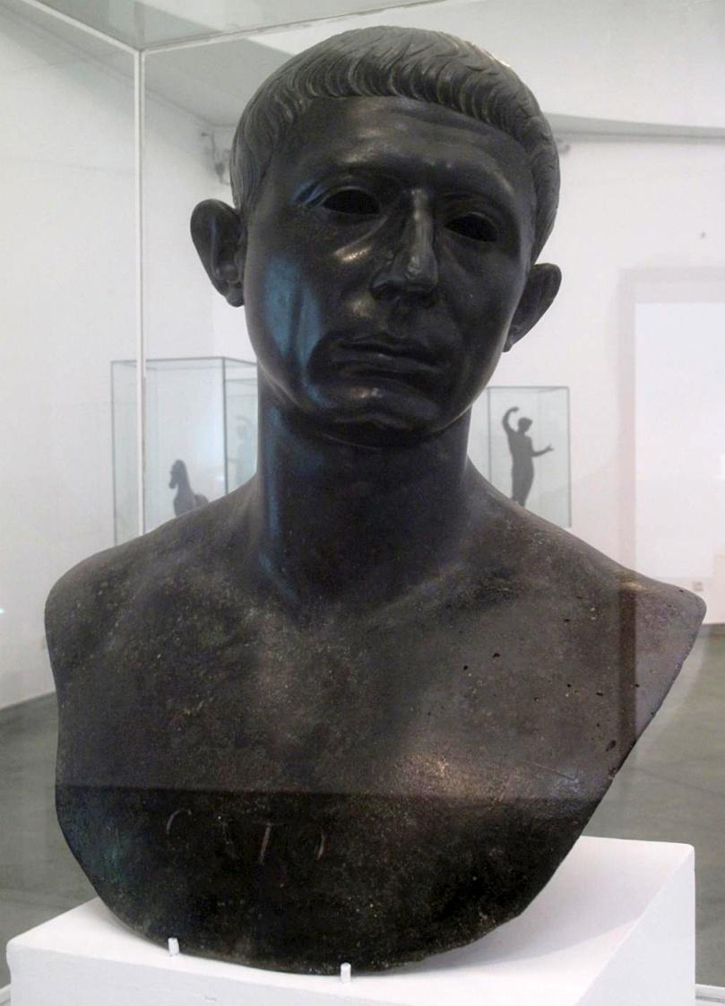 M. Porcio Catone Uticense. Busto, bronzo, I secolo a.C. dalla Domus di Venere a Volubilis (Marocco), Rabat, Musée archéologique.