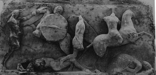 Scena di battaglia fra Romani e Macedoni. Rilievo, marmo, 167 a.C. dal Monumento di L. Emilio Paolo Macedonico a Delfi. Delfi, Museo Archeologico Nazionale.